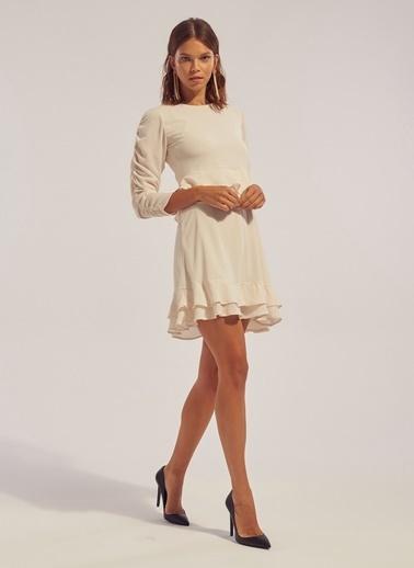 Monamoda Bel Detaylı Eteği Çift Kat Şifon Elbise Ekru